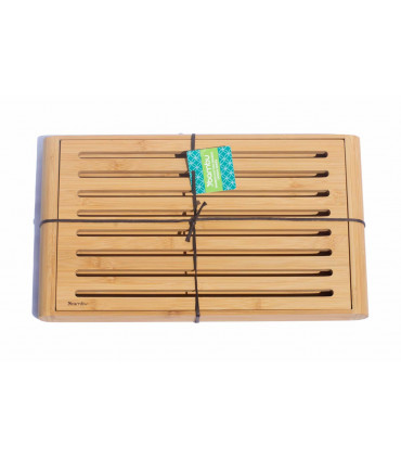 Bamboo crumb cutting and serving bread board