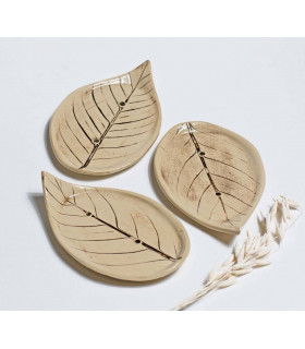 Craftmade soap dish in a shape of a leaf, Takaterra