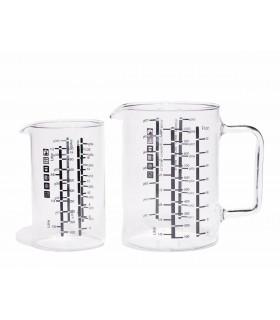deux verre doseurs pour mesurer