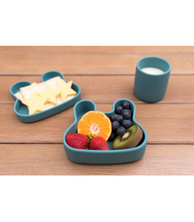 Platsic free, snackie and lunch blue box for kids of We might be tiny