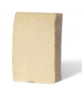 Savon solide exfoliant PachamamaHuile démaquillante solide Pachamamaï ovale beige à base de lait de souchet