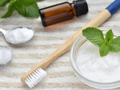 Dentifrice maison : 3 recettes faciles à réaliser chez soi