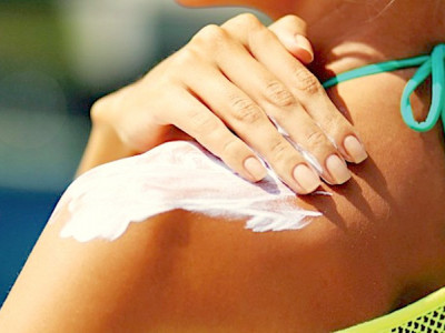 The dangers of sunscreen for your health and the environment