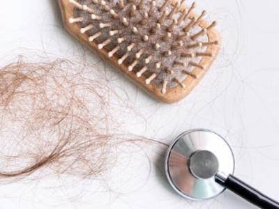 Les 5 erreurs de brossage des cheveux que tout le monde fait