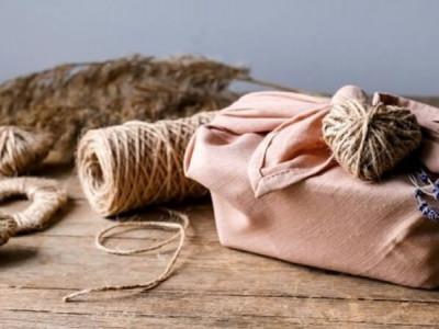 How to fold and tie a furoshiki?