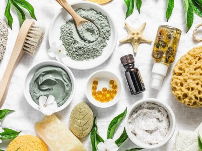 How to remove makeup naturally?